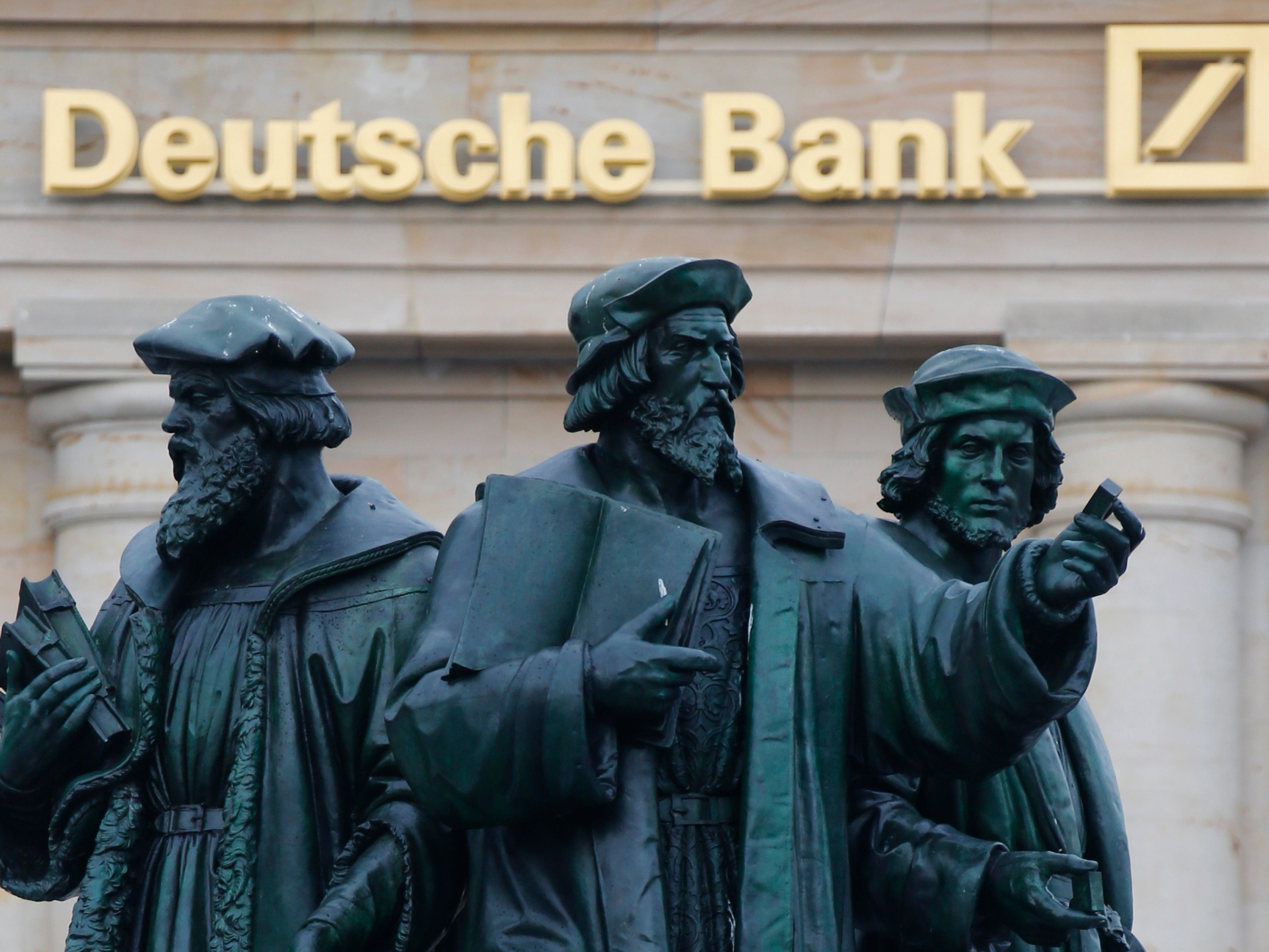 Deutsche Bank: radical restructuring